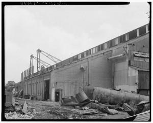 EXTERIOR OF ENGINE ROOM. Republic Iron & Steel Company, Youngstown Works, Blooming Mill & Blooming Mill Engines, North of Poland Avenue, Youngstown, Mahoning County, OH. (1988) Courtesy of Library of Congress Prints and Photographs Division Washington, D.C.